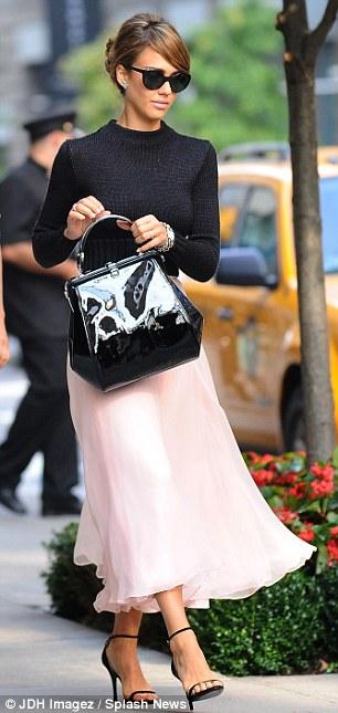 Jessica Alba pink skirt
